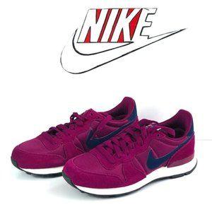 NEW Nike Internationalist True Berry women's